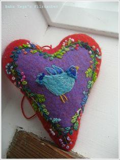 Baba Yaga: Blauer Vogel wohin willst du ? Ich habe dich in mein Herz geschlossen