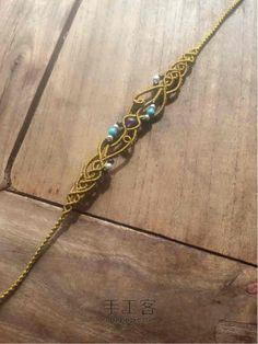 Macrame bracelet tutorial Macrame Bracelets, Macrame Jewelry Tutorial, Macrame Bracelet Patterns, Micro Macrame Tutorial, Macrame Necklace, Macrame Patterns, Necklace Tutorial, Macrame Knots, Diy Friendship Bracelets Tutorial