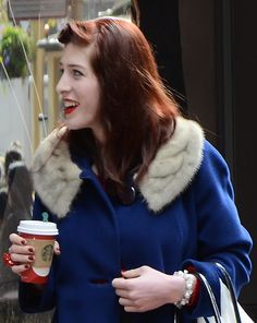 bit fab that. great shot. Red hair and coffee wins the game Powell Street, San Francisco.