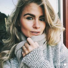 GREY SWEATER | Shop at www.thegoods.nl