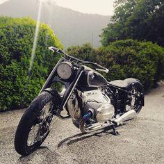 BMW R18 Concept. In produzione l'anno prossimo. E di lei cosa ne dite? 🤔😉 . . #motoit #lifeisbetterifyouride #motorbikesofinstagram… Bmw Motorbikes, Bmw Motorcycles, Custom Motorcycles, Fiat Spider, Bike Bmw, Bmw Concept, Bmw Scrambler, Bmw Boxer, Bmw Cars