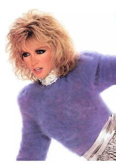 Fluffy and Bulky Mohair Lover Michelle Phillips, Brian Austin Green, Fluffy Sweater, Angora Sweater, Diana, Ted, Gros Pull Mohair, Donna Mills, Retro Hairstyles