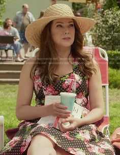 Lorelai's polka dot and floral dress on Gilmore Girls: A Year in the Life.  Outfit Details: https://wornontv.net/62651/ #GilmoreGirls