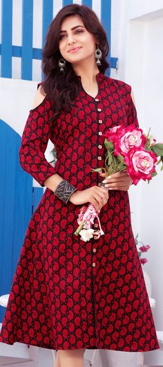 904454 Black and Grey, Red and Maroon color family Printed Kurtis in Cotton fabric with Printed work . Printed Kurti Designs, Kurta Designs, Stylish Dress Designs, Stylish Dresses, Long Kurti Patterns, Red Kurti, Kurti Embroidery Design, Party Frocks, Kurti Designs Party Wear