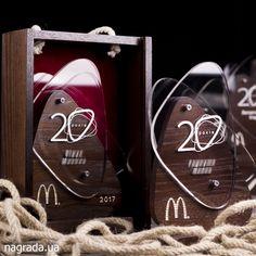 Изготовлены награды к юбилею МакДональдз в Украине