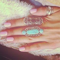 I'm totally feeling those rings.. I'm gonna start wearing more rings..