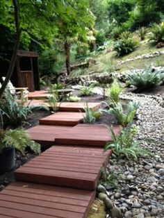 Pallet boardwalk over the dry river bed