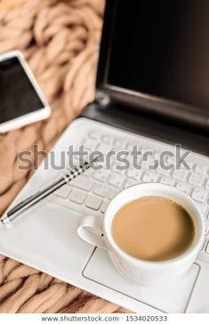 Attributes Telecommuting Work Work Home White: стоковые изображения в HD и миллионы других стоковых фотографий, иллюстраций и векторных изображений без лицензионных платежей в коллекции Shutterstock.  Ежедневно добавляются тысячи новых высококачественных фотографий. Pictures For Sale, Tableware, Dinnerware, Tablewares, Dishes, Place Settings
