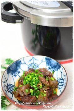 【圧力鍋】牛すじこん by バリ猫(ゆっきー) / 時間がかかる牛すじも圧力鍋があれば時短でおいしく調理。 / Nadia