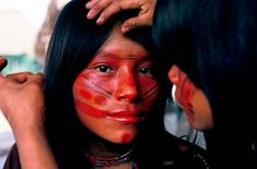 "The face paint is beautiful and unisex.  ""The Ashaninka, A Threatened Way of Life""  http://www.theatlantic.com/infocus/2011/12/the-ashaninka-a-threatened-way-of-life/100208/"