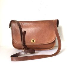 Vintage COACH Cross Body Satchel Saddle Bag ~ with turn knob