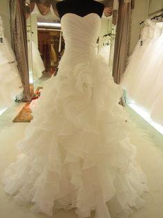 What a dress! a bit wild but i like it