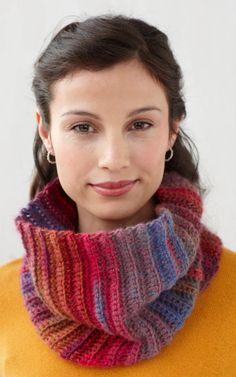 Free Crochet Fast and Easy Cowl Pattern.
