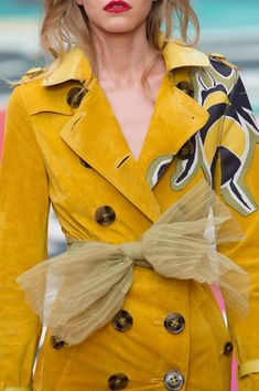 Burberry Prorsum at London Fashion Week Spring 2015 - Details Runway Photos