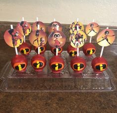 The incredibles cake pops Leo Birthday, Prince Birthday, Baby Boy 1st Birthday, Birthday Ideas, Birthday Party Treats, 6th Birthday Parties, Birthday Party Decorations, Cake Pops, Incredibles Birthday Party