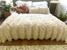 Moroccan wedding blanket MARIA Vintage Berber by SunnyHomeStory