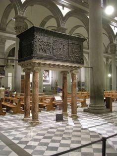 Pulpito della Passione  AutoreDonatello Datadopo il 1460 Materialebronzo Dimensioni(escluse le colonne) 137×280 cm UbicazioneBasilica di San Lorenzo, Firenze