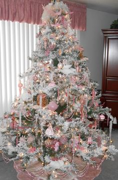 ♥Every year we had a flocked white tree. Every ornament was pink. It was beautiful. I was always excited and proud of our Christmas tree. She loved Christmas!