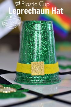 These Leprechaun Hats are so darn cute. A great kid activity for the classroom on St. Patrick's Day or a Decoration for your house. Easy to make. St Patrick's Day Crafts, Holiday Crafts, Crafts To Make, Fun Crafts, Crafts For Kids, Classroom Crafts, Preschool Crafts, Classroom Ideas, Plastic Cup Crafts