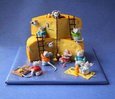 Mice Eatin Cheese- This is such a cute cake!!!