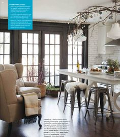 Love the seating area in this kitchen and those fabulous tolix barstools! Don't get me started on the sheepskin and subway tile. <3