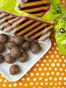 Cookie Dough Bites?         3/4 cup old fashioned oats      3/4 cup walnuts      1/2 cup raw cashews      2 tablespoons honey      1/2 teaspoons vanilla extract      1 tablespoon coconut oil      1/4 cup chocolate chips (semi sweet