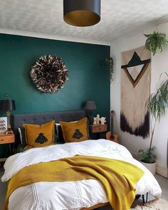 Boho on the low low green and mustard bedroom Paint: Valspar breathe deeply Cushions: timorous beasties Aztec Wall hanging: love Frankie Feather juju hat: rockett st george Green Dining Room, Green Rooms, Bedroom Green, Bedroom Colors, Dream Bedroom, Home Decor Bedroom, Modern Bedroom, Dining Rooms, Aztec Bedroom