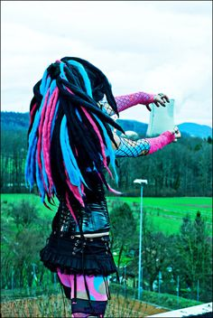 AHHHH! This outfit <3 I'd totally wear this to a rave <.< Better start saving up