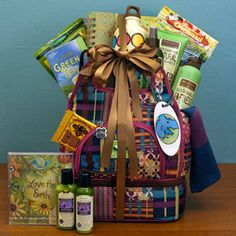 Great Gift Basket Ideas For Moms (Based on What They Love) -- This One is For an Eco-Chic Mommy