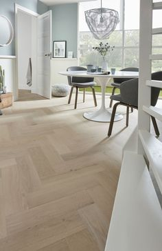 Refinishing Hardwood Floors, Oak Hardwood Flooring, Interior Design Living Room, Living Room Designs, Interior Decorating, Living Room Flooring, Kitchen Flooring, Planchers En Chevrons, Hardwood Floor Colors