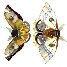 Painted Glass Art Old Windows Refferal: 9004967659 Stained Glass Suncatchers, Stained Glass Crafts, Stained Glass Lamps, Stained Glass Patterns, Leaded Glass, Stained Glass Windows, Mosaic Glass, Window Glass, Glass Butterfly