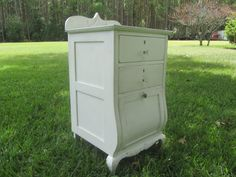 Vintage furniture, Shabby chic decor side table, antique nightstand, Ornate…