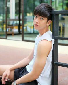 Frank Thanatsaran is Tee Hot Asian Men, Asian Boys, Cute Teenage Boys, My Boys, Kim Wo Bin, Bad Genius, Sehun Hot, Romantic Kiss Gif, Jung Suk