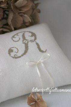 letrecivette: Wedding in Autumn.. cuscino fedi - ring pillow