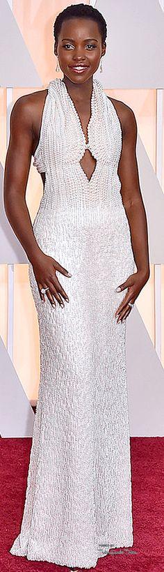 #Oscars 2015 Lupita Nyong'o in Calvin Klein Collection