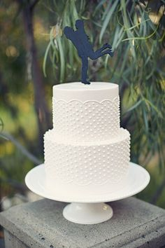 Cameo Silhouette #Caketopper I A Good Affair Wedding and Event Production I #weddingcake
