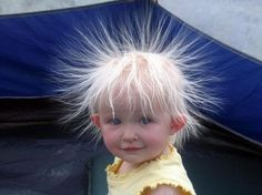 Static Hair Kid - Cute Kids Pictures on We Heart It Beautiful Children, Beautiful Babies, Funny Videos, Funny Babies, Cute Babies, Funny Boy, Funny Happy, Justin Bieber Jokes, Static Hair