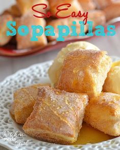 easy sopapillas need only three ingredients and 15 minutes in the oven. Perfect for Cinco de Mayo!These easy sopapillas need only three ingredients and 15 minutes in the oven. Perfect for Cinco de Mayo! 13 Desserts, Delicious Desserts, Yummy Food, Baking Desserts, Baking Cookies, Churro Rezept, Puff Pastry Recipes, Puff Pastries, Choux Pastry