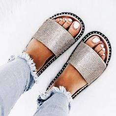 44 Bright Street Style Shoes To Copy Now Brilliant High Heels Schuhe Women's Shoes, Cute Shoes, Me Too Shoes, Shoe Boots, Dress Shoes, Shoes Flats Sandals, Sandals Outfit, Flat Sandals, Shoes Sneakers