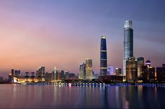 Sunset view of Central Business Centre of Guangzhou, oso named Zhujiang New Town. De highest skyscraper is Guangzhou International Financial Centre, which ranks Top 2 in height in China Mecca Tower, Seattle Skyline, New York Skyline, Study In China, Guangzhou, Architectural Digest, Countries Of The World, Natural Wonders