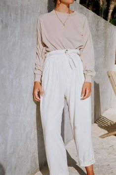 Sport Chic Summer Style Inspiration For 2019 Modest Fashion, 90s Fashion, Spring Fashion, Fashion Outfits, Womens Fashion, Fashion Trends, Fashion Mode, Beige Outfit, Looks Style