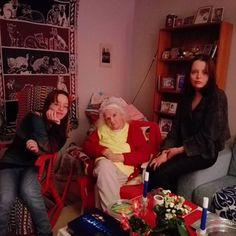 Idag fyller min fina mamma 83 år ♥️❤💕Grattis till henne 😚😚 #mammasfödelsedag #83år #vifarinte #fotottagetpåannandagjul