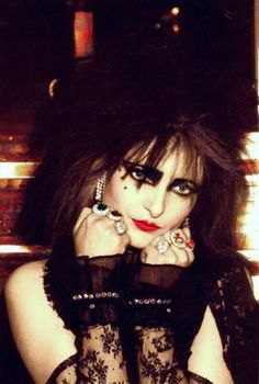 siouxsie sioux cat - Google Search