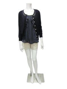 縫珠線衫外套:白色,粉紅跟深藍色,定價3680  點點內搭:白色,粉色,黃色跟深藍點點,定價3680  短褲,粉紅,卡其跟深藍,定價3680