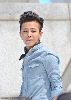 G-Dragon (지드래곤) - Visit Korea CF Shoot (04/20/12).