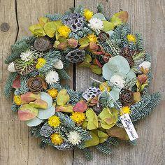 KvetinovyObchodik / Dušičkový veniec prírodný Fall Decor, Floral Wreath, Wreaths, Autumn, Home Decor, Decoration Home, Room Decor, Fall, Fall Decorating