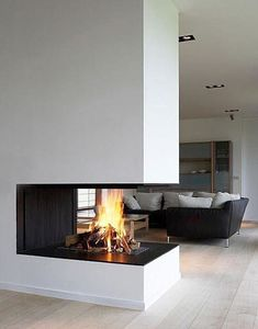 do modern fireplaces look like? Find out now! What do modern fireplaces look like? Find out now! – What do modern fireplaces look like? Find out now! What do modern fireplaces look like? Find out now! Open Fireplace, Living Room With Fireplace, Fireplace Design, Living Room Decor, 3 Sided Fireplace, Fireplace Ideas, Ethanol Fireplace, Living Rooms, Best Living Room Design
