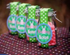 Pink jelly beans in a jar = Bunny Noses Easter Gifts! Add this to the bunny tails.getting and idea here! Bunny Party, Easter Party, Easter Gift, Easter Decor, Hoppy Easter, Easter Bunny, Easter Eggs, Easter Food, Easter Table