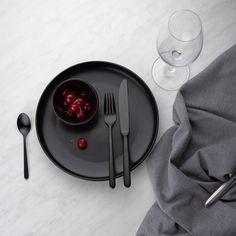 Black Cutlery Set on black plate - Faro - Sola Switzerland with cherry Black Cutlery, Cutlery Set, Kitchen Things, Switzerland, Gift Guide, Dinnerware, Cherry, Plates, Mood