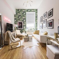 20 ways to decorate with the Beverly Hills Hotel banana leaf print.